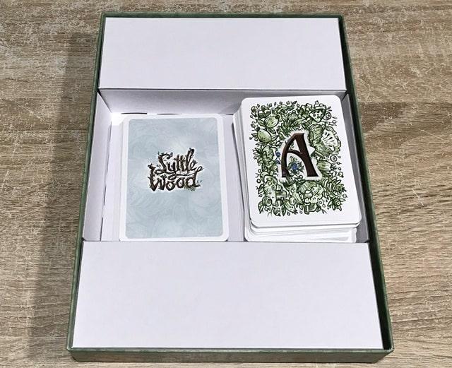 Lyttle Wood Kaartspel: Binnenkant Doos Gevuld